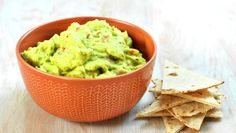 Hjemmelaget guacamole - med video og steg-for-steg Snacks, Frisk, Couscous, Finger Foods, Guacamole, Tapas, Side Dishes, Recipies, Appetizers