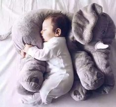 Give your child a pet Elephant and they'll hug it forever! Always supervise children Age Range: > 3 years old Filling: PP Cotton Material: Cotton Animals: Elephant size: 60cm color: gray