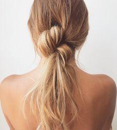 messy ponytail. <3