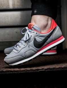 Nike Air Pegasus 83: Grey/Red/Black
