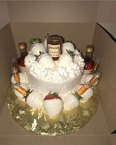 22nd Birthday Cakes, Birthday Celebration, Cute Birthday Gift, Man Birthday, Birthday Ideas, Beautiful Cakes, Amazing Cakes, Happy Birthday African American, Hennessy Cake