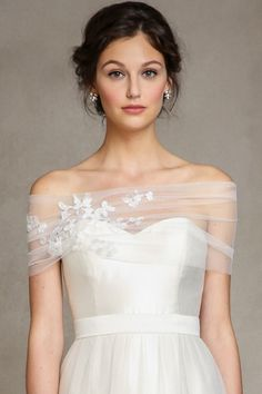The embroidered #tulle with Fleur #Lace Applique is a stunningly detailed addition to any #gown.