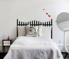 cabeceira de cama pintada com stencil - pretaccom linhas rectas
