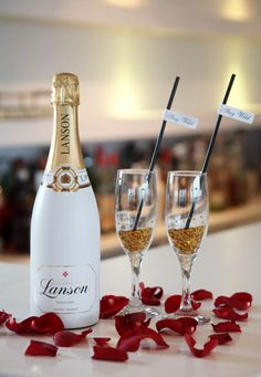 Champagne with edible gold stars for a memorable toast