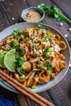 Easy Pad Thai with a Peanut Sauce – Happy Skin Kitchen