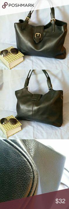 33282a3975f8 Villager Black Shoulder Bag Villager by Liz Claiborne black shoulder bag in  excellent