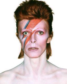 I awoke to the news that a true British music legend has passed away. RIP David Bowie, you will be sorely missed. David Bowie Makeup, David Bowie Lightning Bolt, David Bowie Wallpaper, David Bowie Fashion, Mick Ronson, The Thin White Duke, 21st Century Fox, Ziggy Stardust, Music Magazines