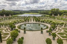Ever dreamed of spending the night in a palace? That may soon be a reality. Plans for a five-star hotel at the Palace of Versailles are in the works. Potential partners have until mid-September to make their bids, with a planned opening date for sometime in 2016. We're ready!