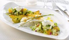 Imponer gjestene dine og skap et festmåltid. Med ovnsbakt kveite, pepperrotkrem og en frisk sprø salat på menyen gir du gjestene dine en ny smaksopplevelse.