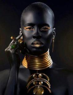 BLACK//gold//BLACK!