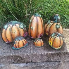 A little rock pumpkin patch.  #handpainted #handpaintedrocks #handpaintedstones