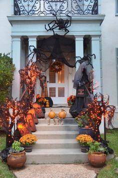 Photo Credit: Jenny Larmont| Grandin Road Spooky Décor Challenge 2014