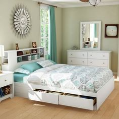 Vito 4 PC Bedroom Set in White - The white bedroom furniture. The green curtains. The set includes Queen Mates bed, dresser, mirror, and coo. Modern Platform Bed, Queen Platform Bed, Platform Beds, Bedroom Furniture, Bedroom Decor, White Furniture, Design Bedroom, Furniture Sets, Ikea Bedroom