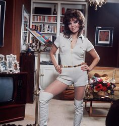 December 1977 Joan Collins goes for the subtle shorts and over the knee boots look in this posed shot Dame Joan Collins, Jackie Collins, Lady Godiva, Elizabeth Hurley, Her Cut, Nyc, Joan Crawford, British Actresses, London