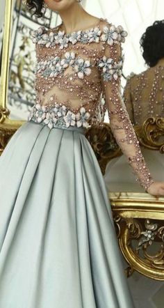 19 Ideas Fashion Dresses Blue Haute Couture For 2019 Style Haute Couture, Couture Fashion, Beautiful Gowns, Beautiful Outfits, Elegant Dresses, Pretty Dresses, Fall Fashion Trends, Autumn Fashion, Mode Inspiration