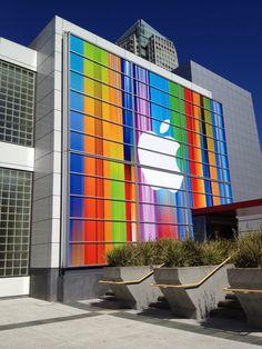 Building wrap for Apple by Alexandra Benet, via #Behance #Apple
