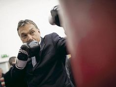 Orbanov zakon: banke će vratiti sve što su zaradile zbog rasta švajcarskog franka Banke u Mađarskoj imaju 90 dana da svakom korisniku kredita u švajcarskim francima vrate novac koji je, prema proceni mađarskih vlasti, zarađen na razlikama u kursu i povećanim kamatnim stopama nakon što je vrednost švajcarskog franka ojačala u proteklim godinama krize.