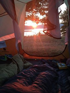 Find The Best Tips For Camping Right Here. You can't deny the natural appeal of the outdoors. If you want to make your next camping trip an experience to remember, you need to get informed. Adventure Awaits, Adventure Travel, Camping Sauvage, Cute Date Ideas, Camping Aesthetic, Camping Photography, Camping Life, Camping Gas, Camping Cooking