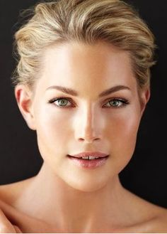 Kendra used Heir Atelier Ultimate Make Up Prep to create this flawless look