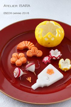 Japanese Taste, Japanese Sweets, Japanese Food, Japanese New Year, Kawaii Bento, Fruit And Vegetable Carving, New Year's Food, Food Decoration, Food Humor