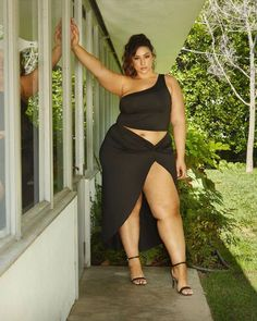 Thick Girl Fashion, Curvy Fashion, Plus Size Fashion, Curvy Plus Size, Plus Size Model, Erica Lauren, Big Hips And Thighs, Fashion To Figure, Curvy Models