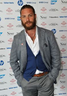 Tom Hardy = hot Tom Hardy with a beard = so so so much hotter than without a beard