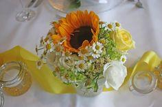 Sonnenblumen-Hochzeit im Riessersee Hotel Garmisch-Partenkirchen, Bayern - Sunflower wedding in Garmisch, Bavaria, Germany - #riessersee #hochzeitshotel #wedding venu #abroad #Bavaria #Garmisch #wedding #Hochzeit