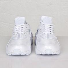 54a39353d002 Nike Wmns Air Huarache Run Premium - 683818-100 - Sneakersnstuff