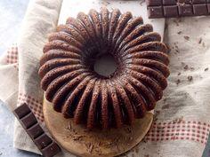 chocolat noir, oeuf, beurre doux, sucre en poudre, farine, levure chimique