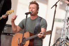 Dierks Bentley Announces 2017 What the Hell World Tour