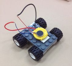 TPiB: Bristlebots, take II (or what happens when you give teens space to be creative) | Teen Librarian Toolbox