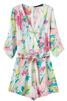 3fa796dbb8 This Urban Sweetheart outfit is perfect for summer! Floral Tie