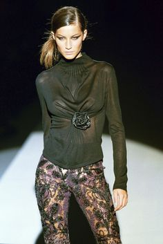 Gisele Bundchen at Gucci F/W 1999