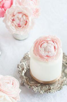 . . . rose cakes