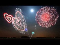 New Year 2018 fireworks. So here is the Happy New year 2018 Fireworks video to celebrate your new year eve. Blue Background Images, Video Background, Blue Backgrounds, Fireworks Gif, Mix Video, Music Heart, Park Bo Young, Gif Animé, Lots Of Money