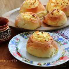 Placinte cu branza sarata Muffins, Cupcakes, Food Staples, Recipies, Ale, Food And Drink, Appetizers, Breakfast, Ethnic Recipes