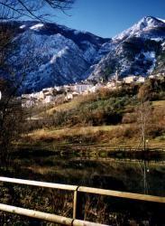 BIOAGRITURISMO LA PORTA DEI PARCHI - Anversa - Aq - Italia Half Dome, Cashmere, Mountains, Nature, Travel, Italia, Cashmere Wool, Naturaleza, Viajes