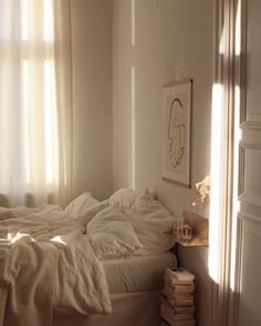morning light aesthetic bedroom Home Story: Franzi aus Berlin Dream Rooms, Dream Bedroom, My New Room, My Room, Bedroom Inspo, Bedroom Decor, Bedroom Inspiration, Bedroom Furniture, Bedroom Ideas