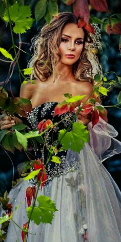 GIF найдено пользователем Iriska. Находите (и сохраняйте!) свои собственные изображения и видео в We Heart It Moon Photography, Photography Women, Beauty Photography, Portrait Photography, Lovely Girl Image, Girls Image, Amazing Gifs, Beauty In Art, Female Protagonist