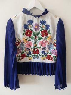 UNiQUE Hungarian Kalocsai dress embroidered by macaristanbul