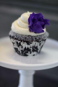 @Jeannie Kampa I like this cupcake it's really pretty :)
