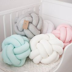 Knotpillow Mint, gray, pink, white, cream