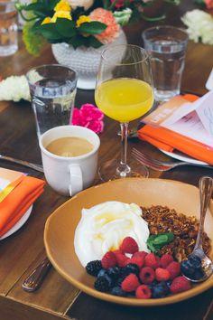 breakfast granola, greek yogurt, healthy breakfast options