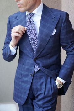Learn to live in Style. Modern Mens Fashion, Mens Fashion Suits, Mens Suits, Men's Fashion, Dress Suits For Men, Suit And Tie, Men Dress, Dress Hats, Italian Style Suit