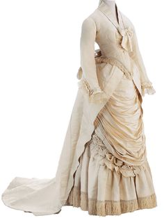 Lovely Worth gown c. 1875 from the Museo de la Mode