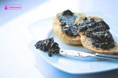 Pasta z czarnych oliwek z tymiankiem i słonecznikiem Smoothies Vegan, Breakfast Salad, Fodmap, Salmon Burgers, Vegan Recipes, Vegan Meals, Gluten Free, Bbq, Pasta