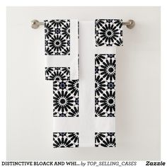 DISTINCTIVE BLOACK AND WHITE PATTERNED BATH SET Spa Towels, Bathroom Towels, Bath Towel Sets, Luxury Bath, Print Design, Europe, Textiles, France, Prints