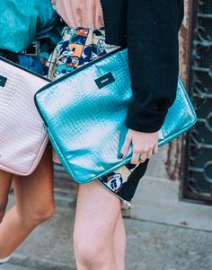 funda-portátil-mermaid-azul-4 Hermes Kelly, Bags, Fashion, Laptop Sleeves, Blue Nails, Handbags, Moda, Fashion Styles, Hermes Kelly Bag