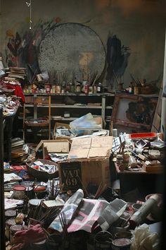 Francis Bacon studio! Now I'm really feeling good about my cluttered studio :)