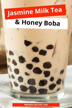 Delicious bubble tea recipe that you can make at home.  This recipe for jasmine milk tea with honey boba is just as good at the one you get at your local tea shop. Milk tea, bubble tea or boba tea, they're all delicious. Tea Organization, Milk Tea Recipes, Green Tea Drinks, Bubble Milk Tea, Dairy Free Cookies, Tea Gifts, How To Make Tea